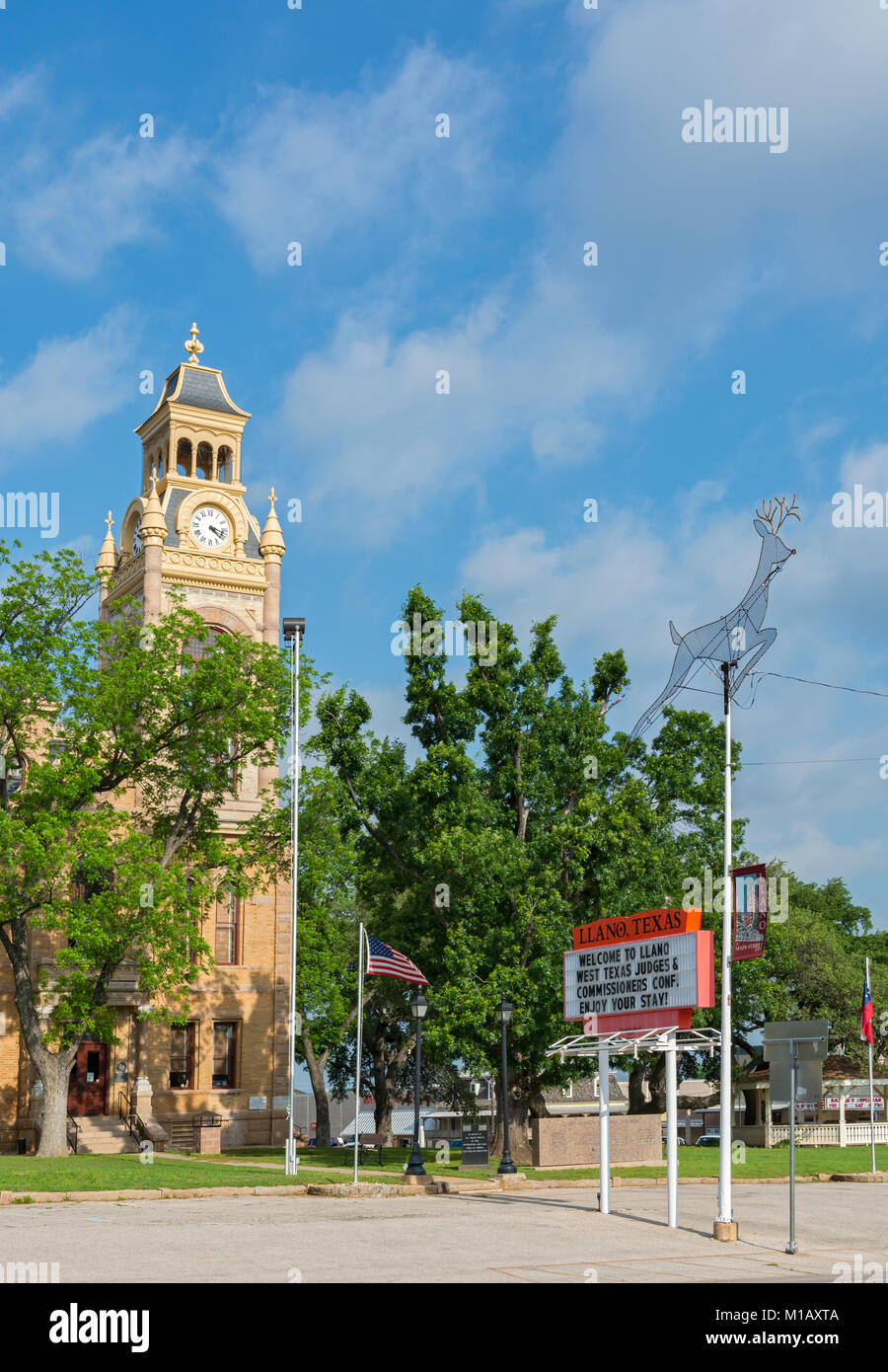 Texas, Hill Country, Llano County Courthouse built 1893 in the Romanesque Revival Style - Stock Image