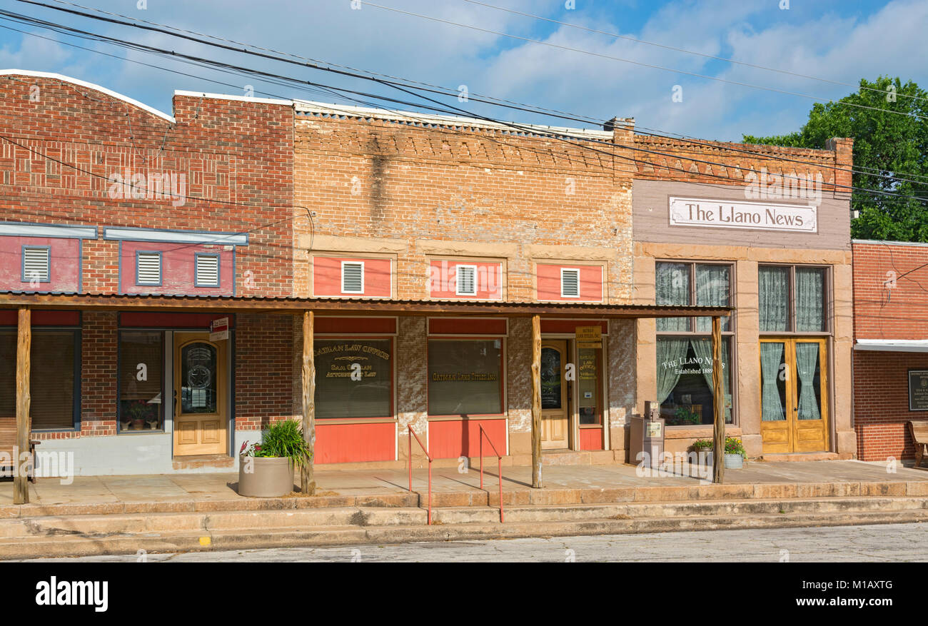 Texas, Hill Country, Llano, Berry Street, historic downtown, Llano News, est. 1889 - Stock Image