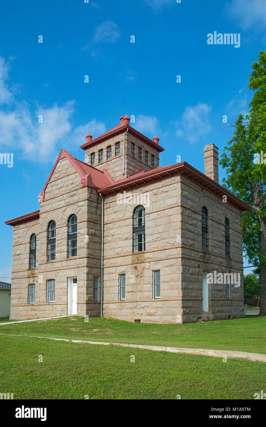"""Texas, Hill Country, Llano Jail, built 1895 in the Romanesque Revival Style, aka  the """"Red Top"""" jail Stock Photo"""