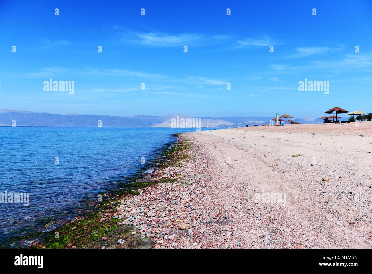 The beautiful Red Sea beach south of Aqaba. - Stock Image