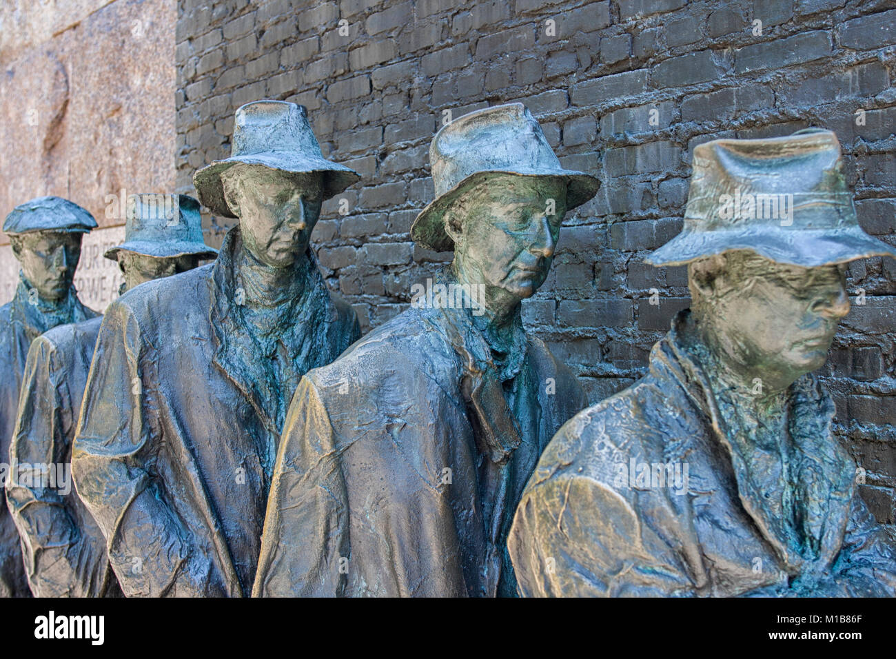 Franklin Roosevelt Memorial. Bronze sculpture of depression bread line, Washington DC, USA - Stock Image