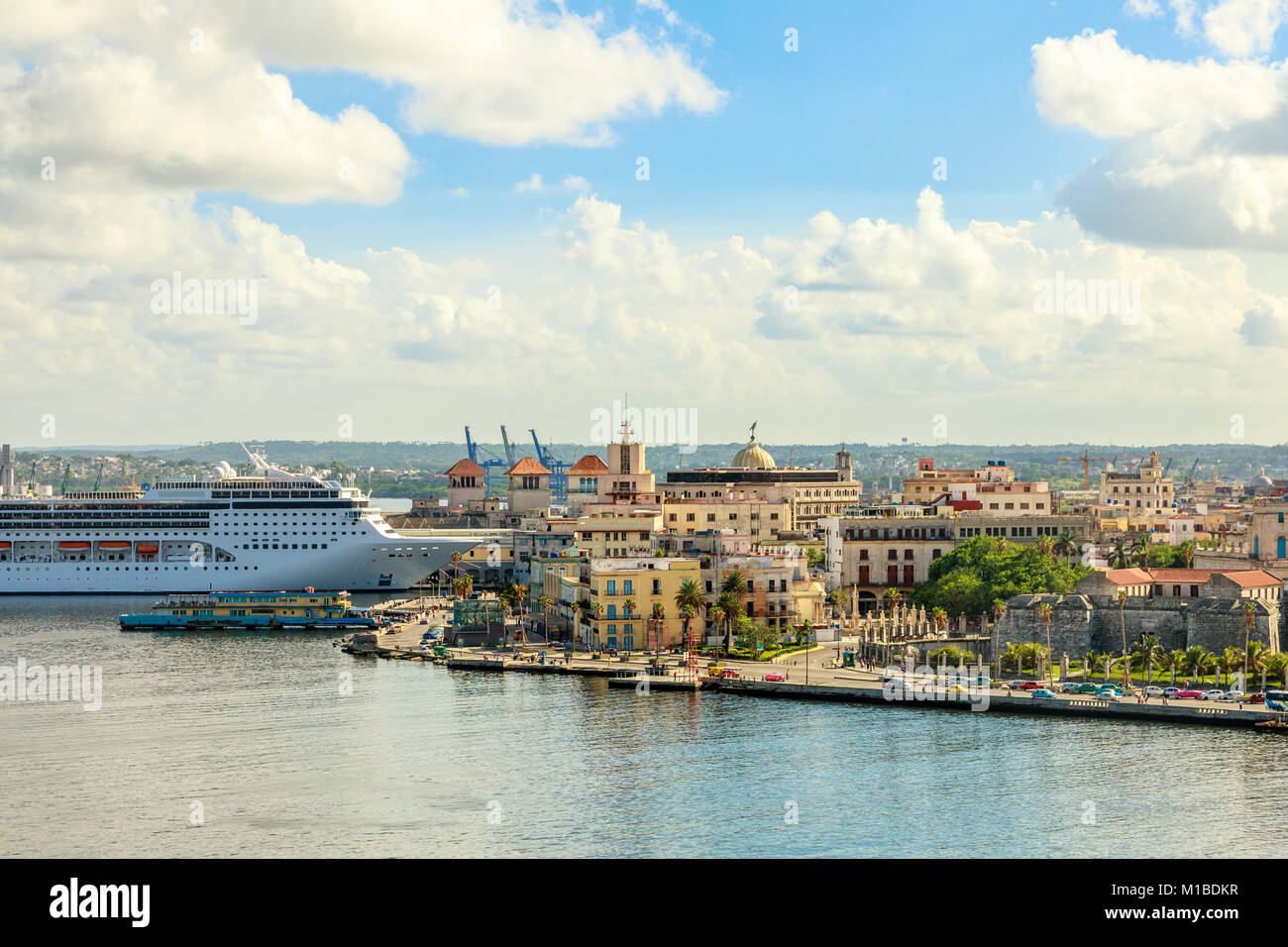 City panorama and big cruise ship docked in port of Havana, Cuba - Stock Image