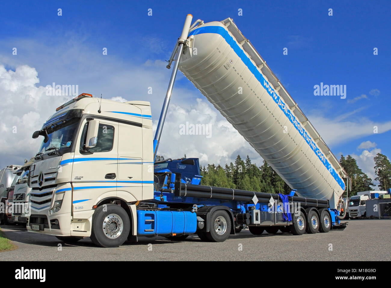 Chassis Cab Stock Photos & Chassis Cab Stock Images - Alamy