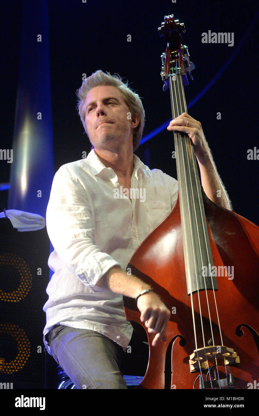 Kyle Eastwood in concert on the occasion of the 57th edition of the Jazz Festival in Juan on 2017/07/16 - Stock Image