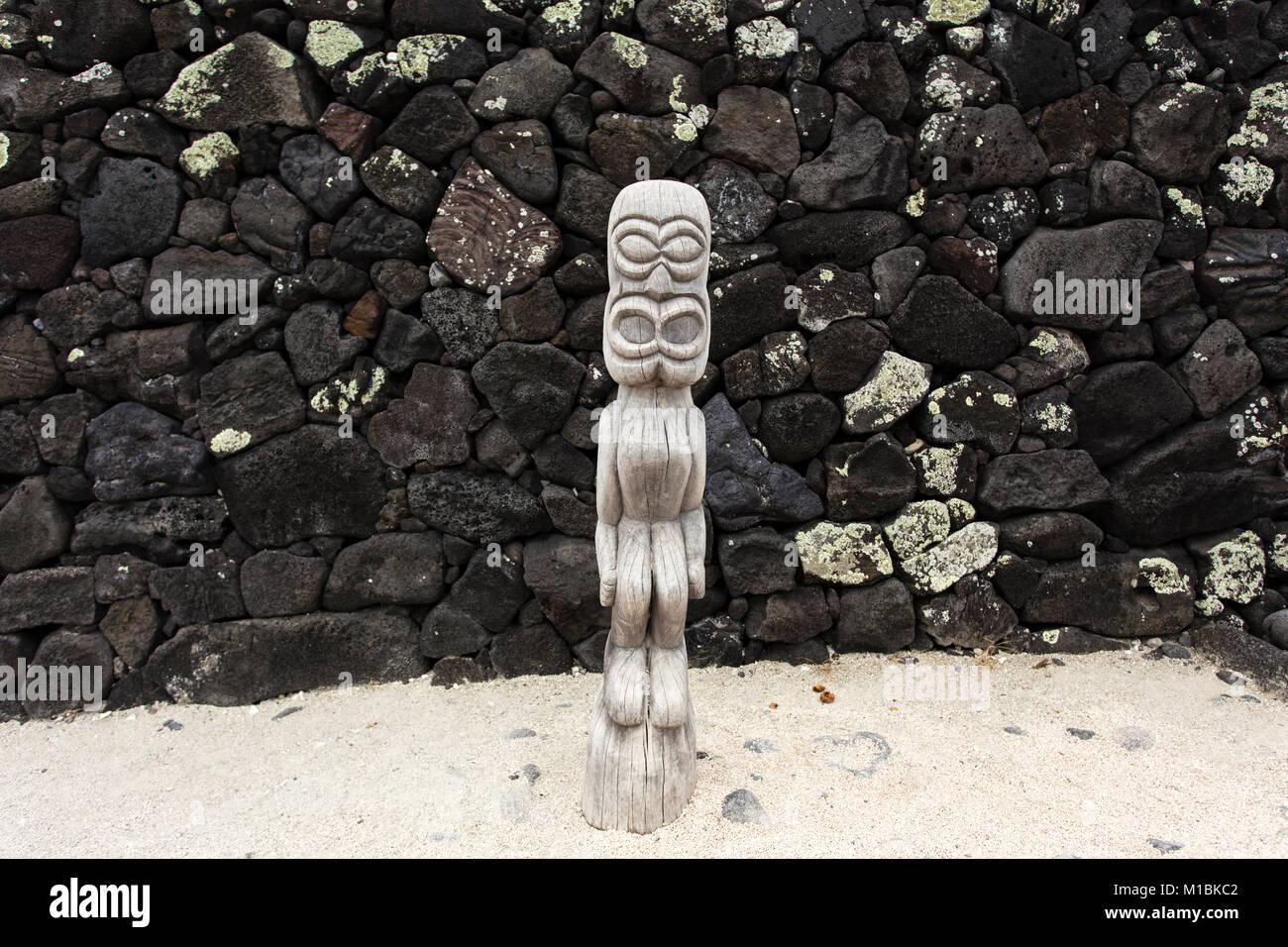 Tiki of Puuhonua o honaunau, (Place of Refuge), Big Island, Hawaii - Stock Image