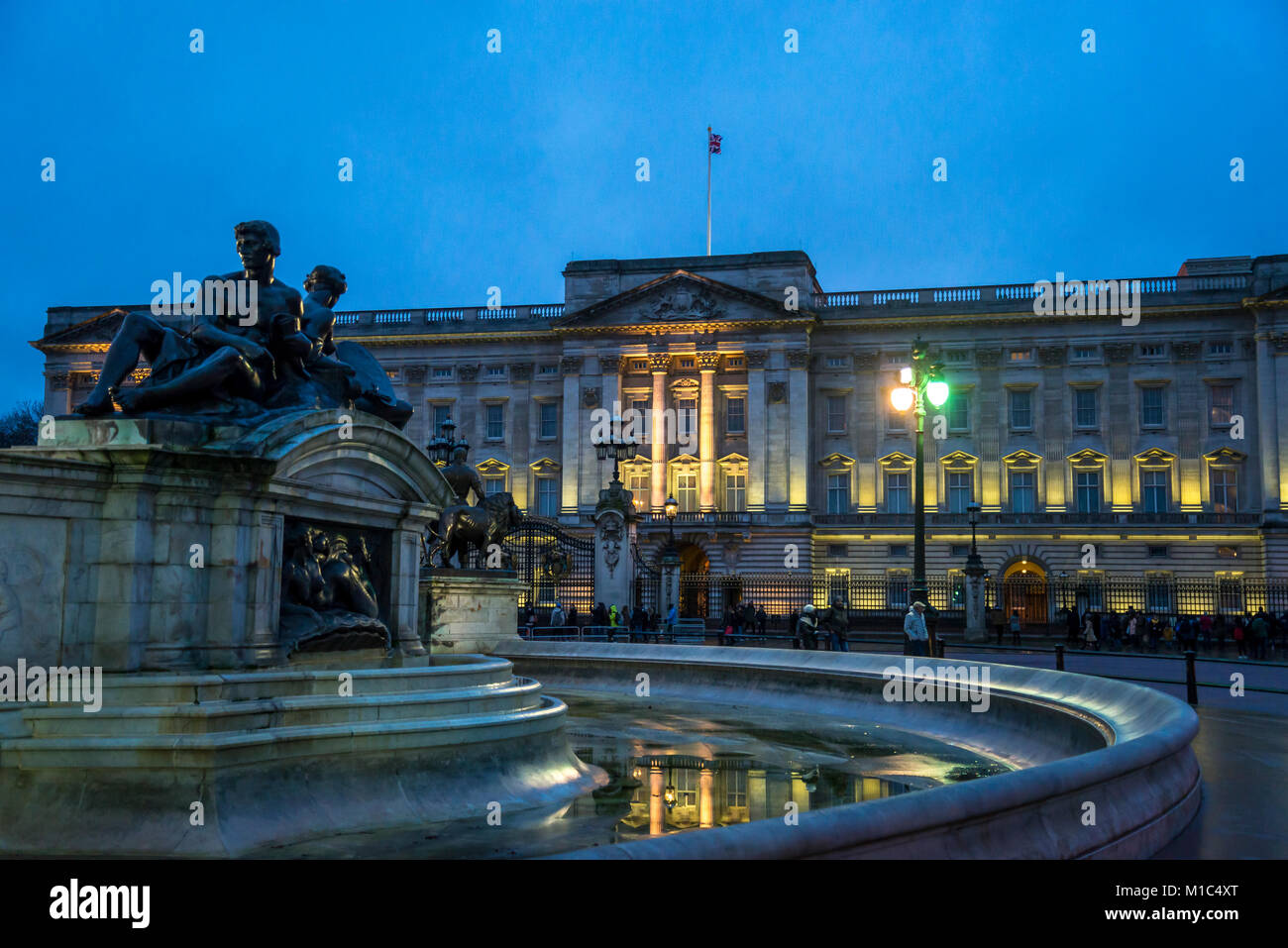 Buckingham Palace is the London residence and administrative headquarters of the reigning monarch of the United Kingdom, London, England, UK Stock Photo
