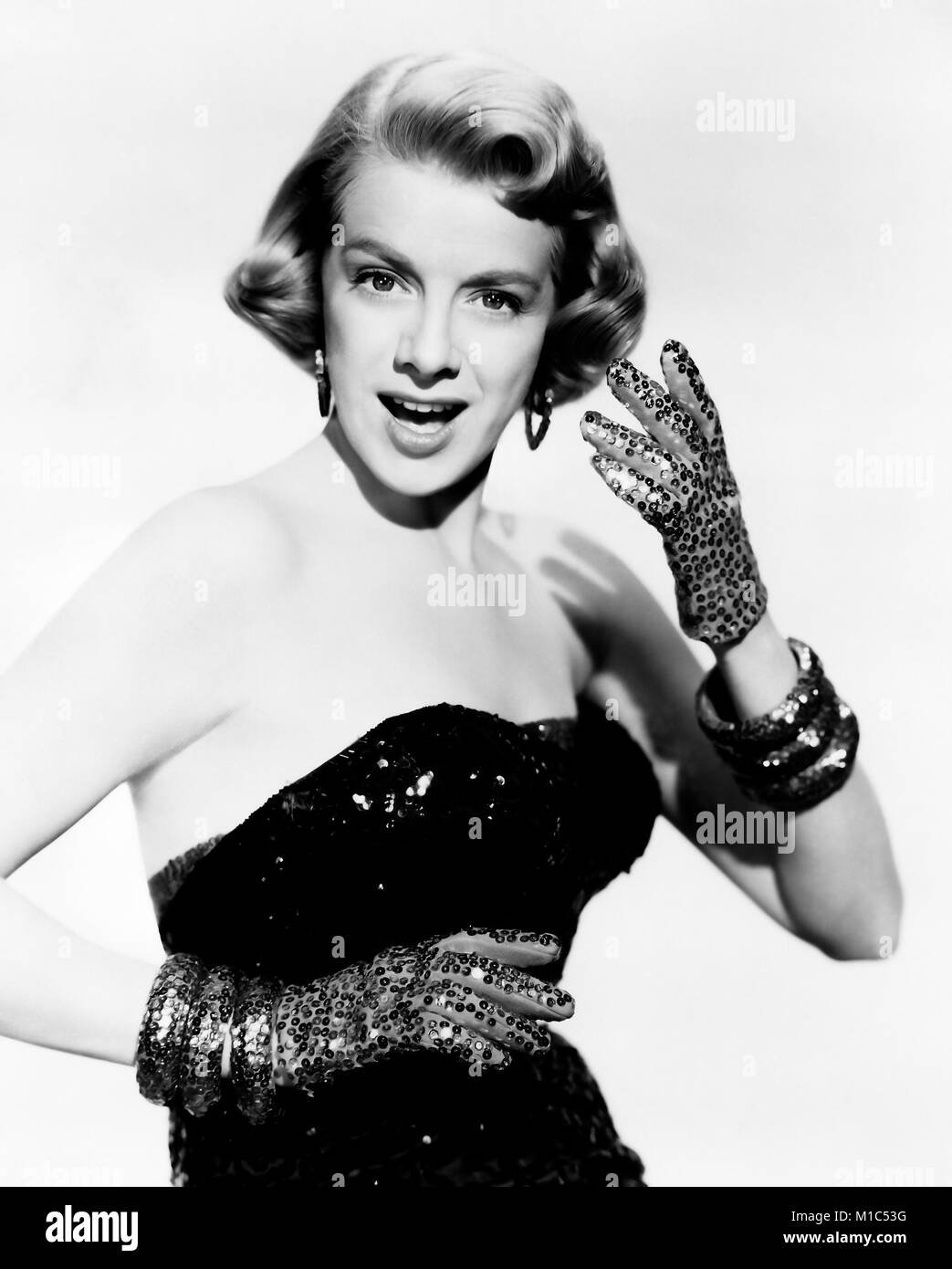 white christmas 1954 paramoiunbt pictures film with rosemary clooney stock image - Black And White Christmas Movie