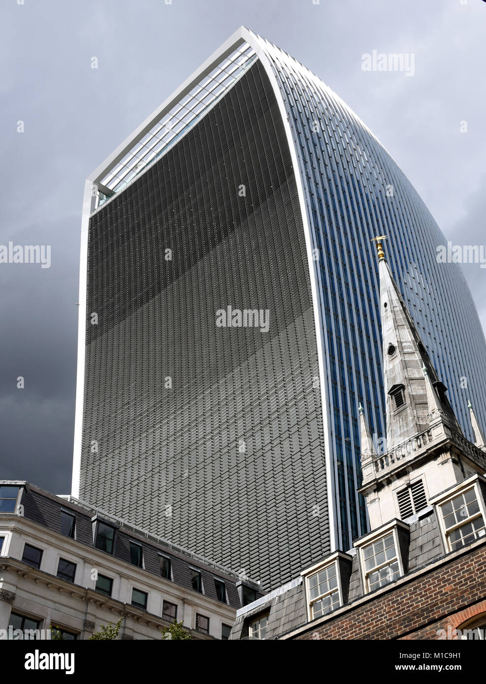 """London, UK. 20th Aug, 2017. View of the office building """"Walkie Talkie"""" in London, England, 20 August 2017. Credit: Stock Photo"""