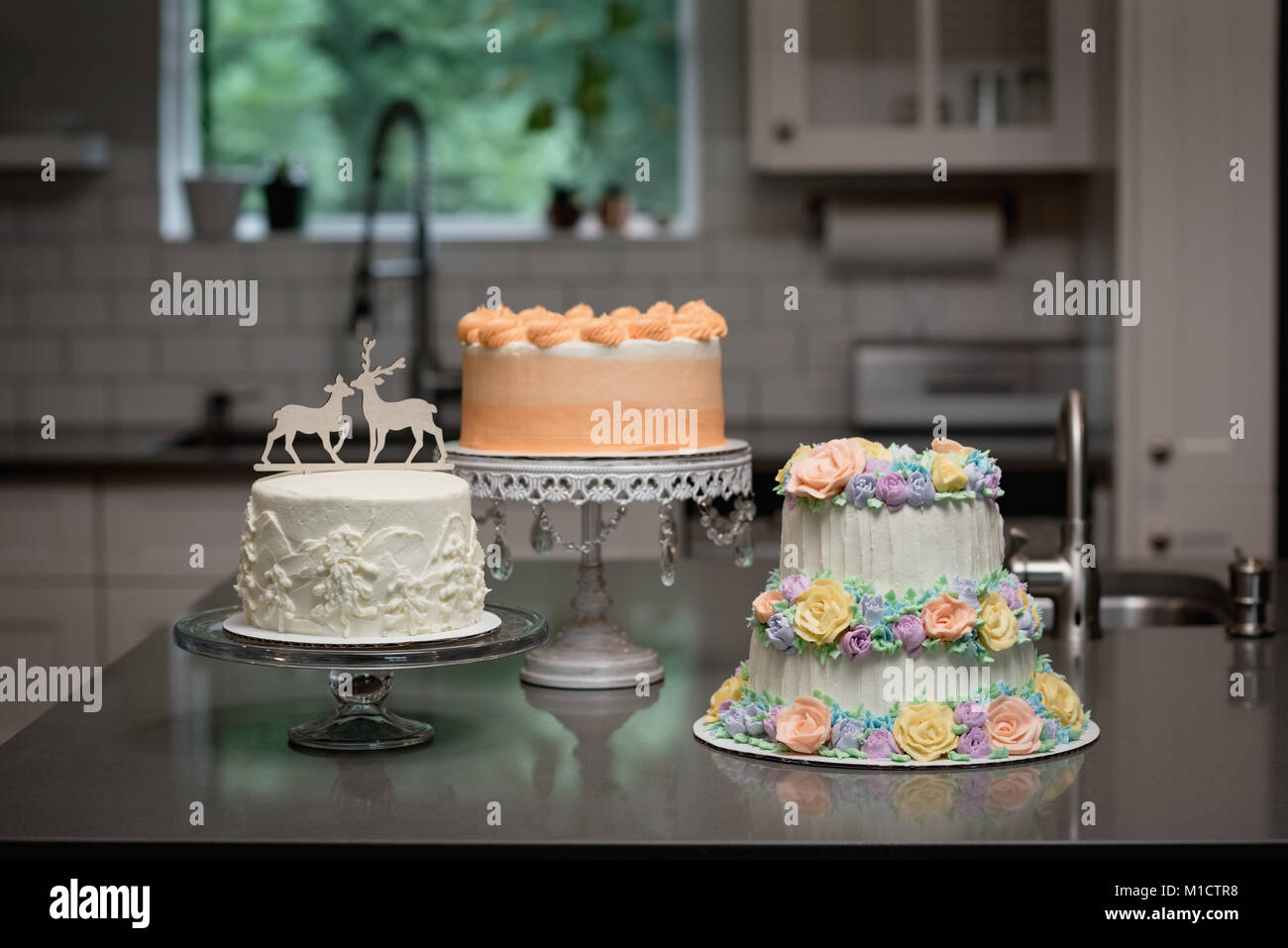 Various decorated cake in bakery - Stock Image