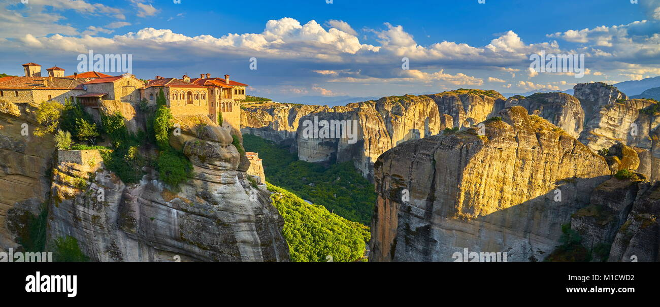 Panoramic view of Varlaam Monastery, Meteora, Greece - Stock Image