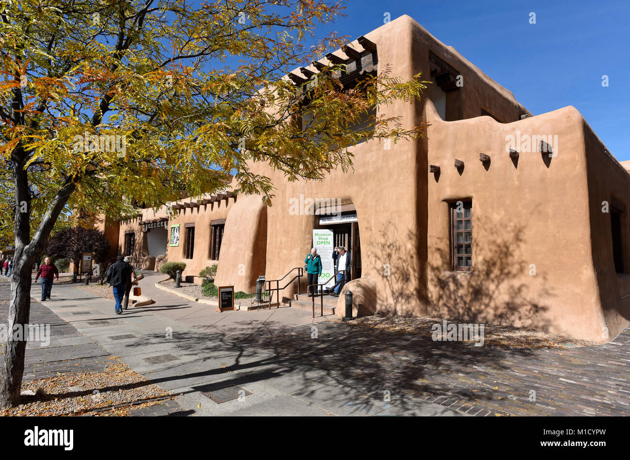 Old Town Santa Fe >> Downtown Architecture In Old Santa Fe New Mexico United States