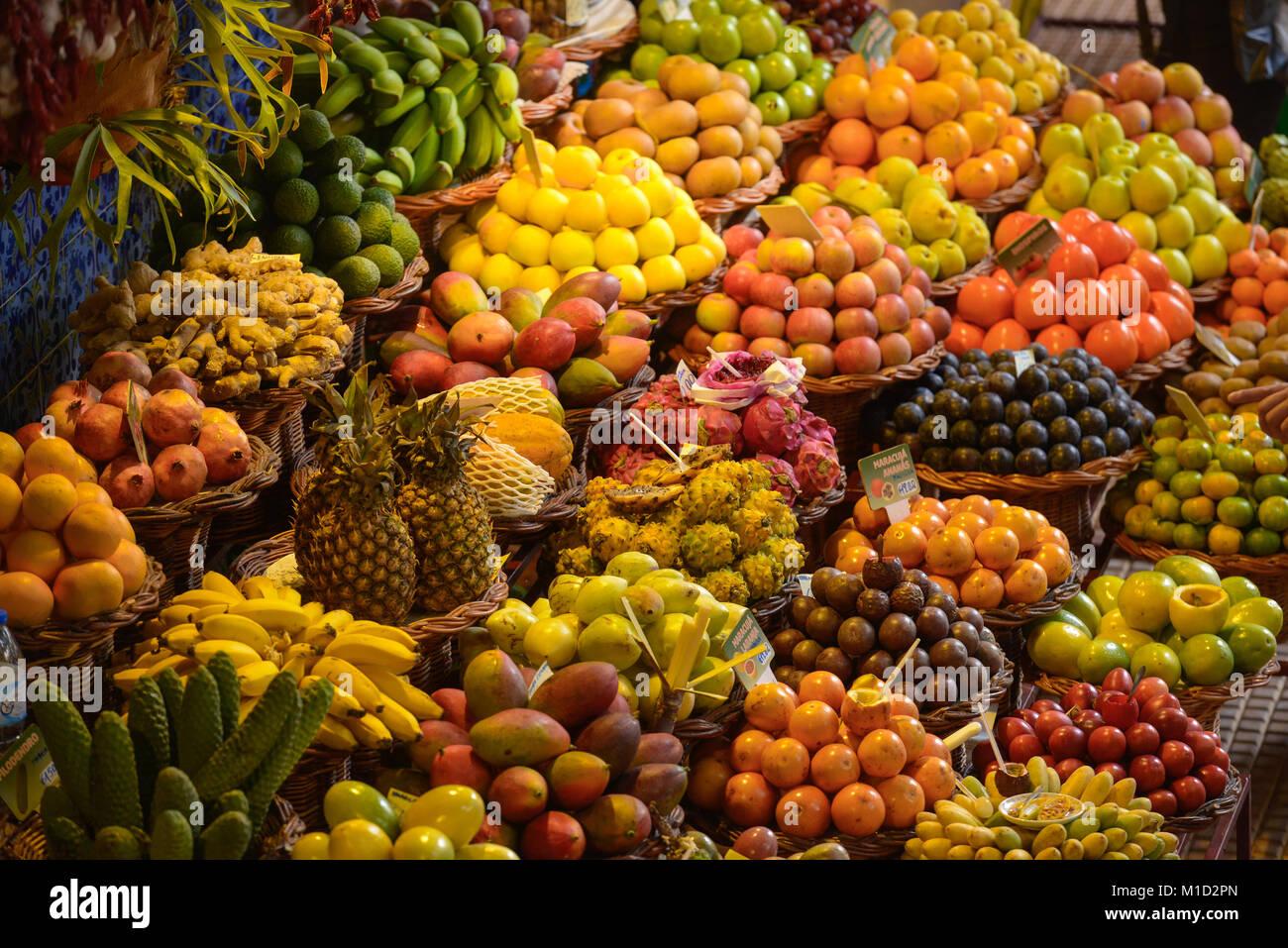 'Mercado dos Lavra Dores fruits, Market Hall', Funchal, Madeira, Portugal, Fruechte, Markthalle ´Mercado - Stock Image