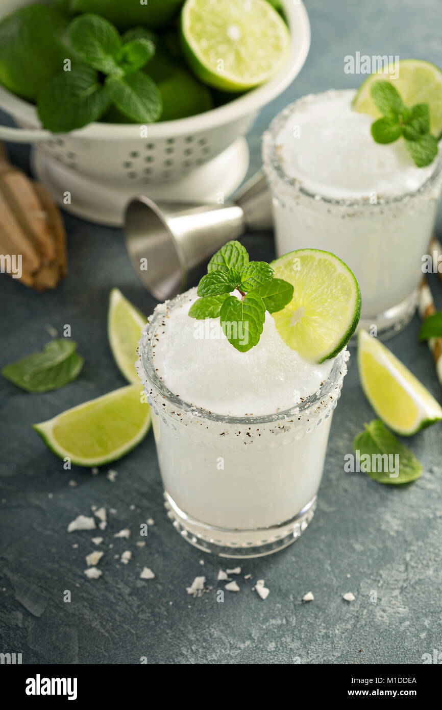 Frozen lime and mint margarita - Stock Image