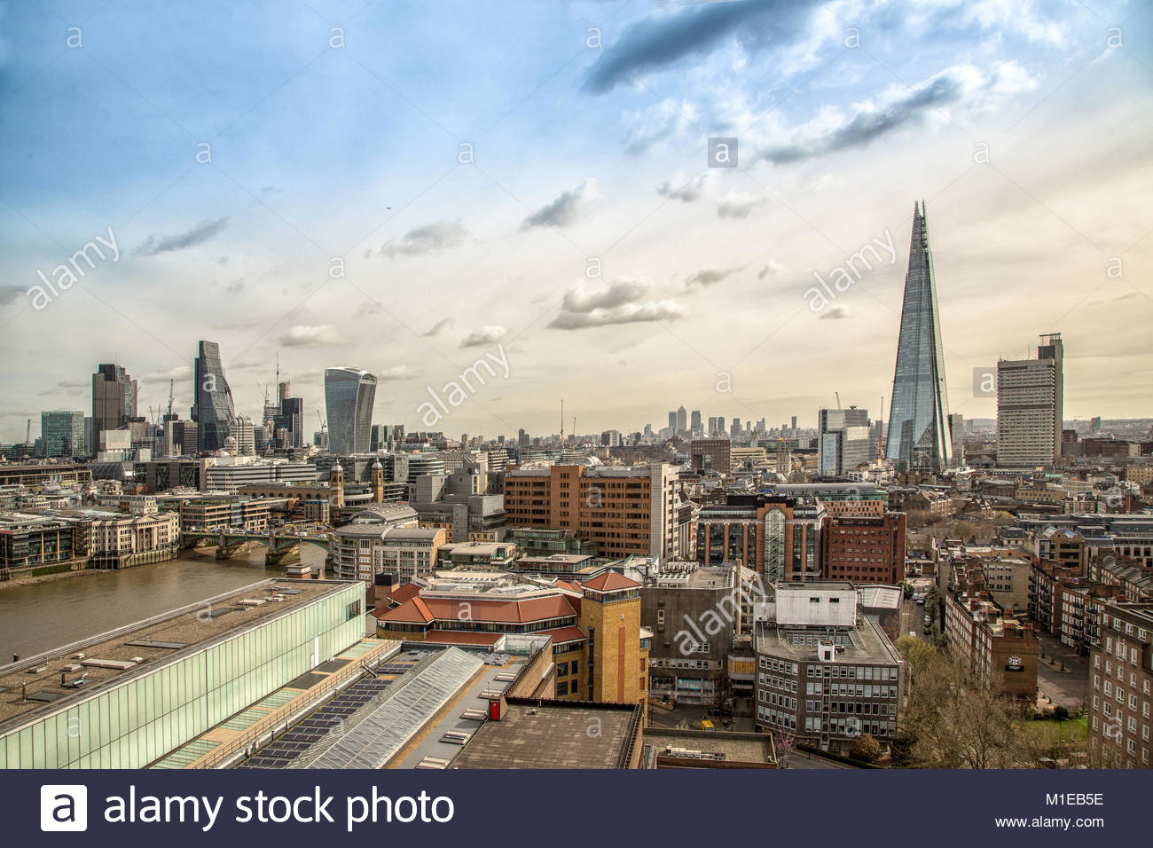 The Shard / Shard London Bridge / Shard of Glass, ein Wolkenkratzer in Londons Stadtteil Southwark mit einer Hoehe Stock Photo