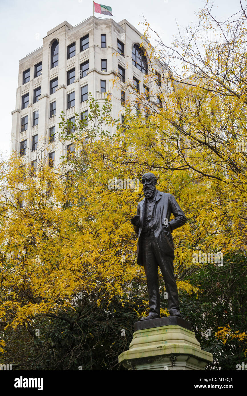 LONDON, UK - OCT 29, 2012:  Bronze statue of  temperance campaigner and anti-imperialist Liberal Party politician - Stock Image