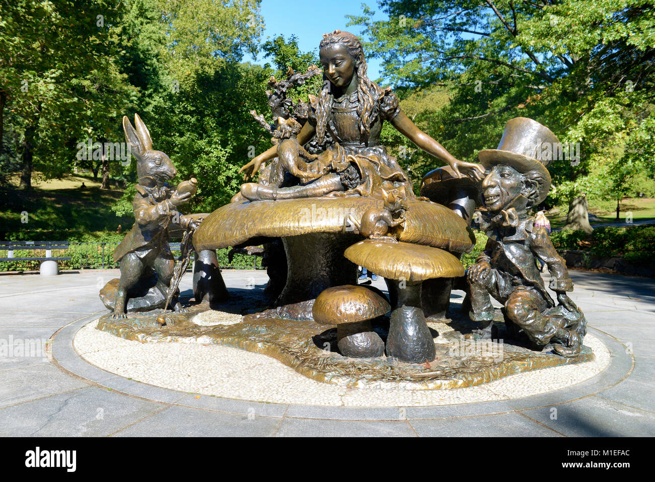 MONUMENT TO LEWIS CARROLL'S ALICE IN WONDERLAND presented May 7 1959 to the city of New York by George and Margarita - Stock Image