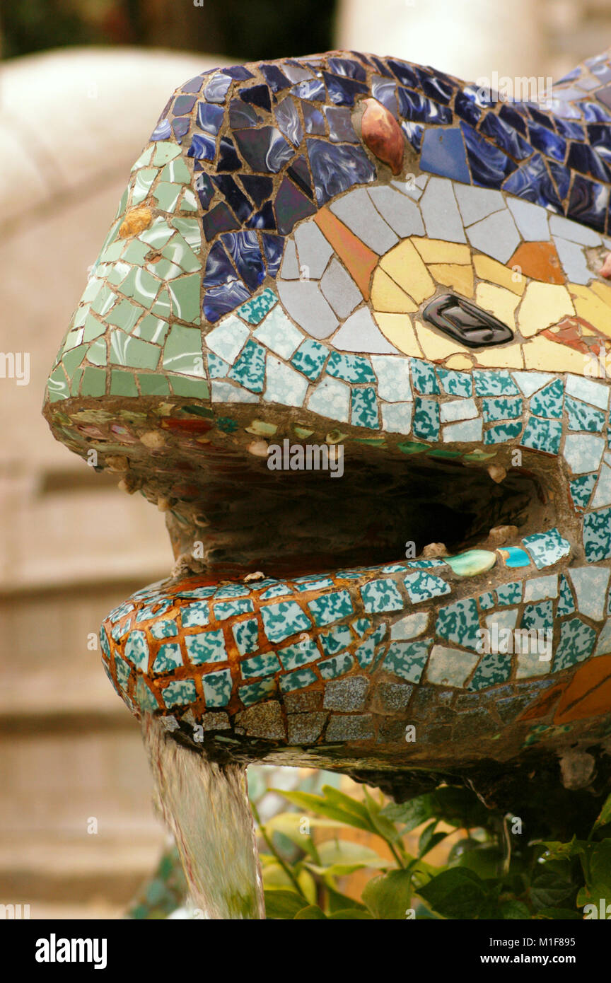 Spain. Catalonia. Barcelona. Park Guell. Built by Antoni Gaudi (1852-1926).  Dragon at the entrance. (1900-1914). - Stock Image
