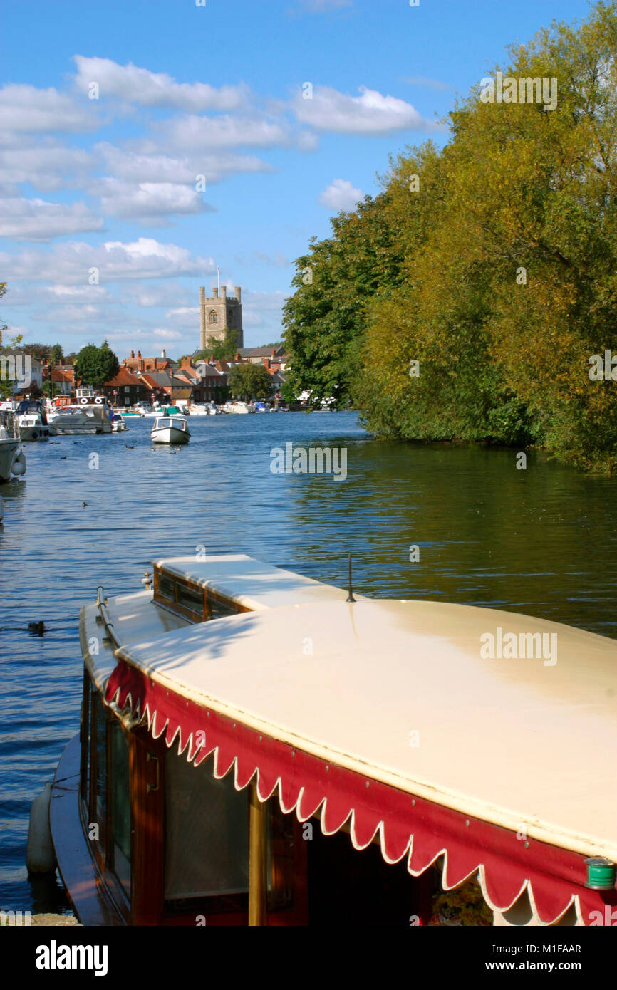 Summer on the River Thames, Henley-on-Thames, Chilterns, Oxfordshire, UK - Stock Image