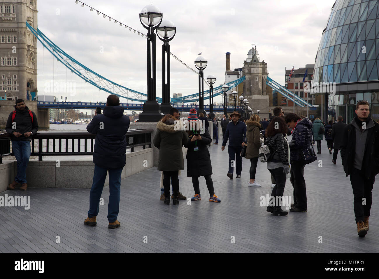 London,UK,30th January 2018,Blue Skies over London©Keith Larby/Alamy Live News Stock Photo