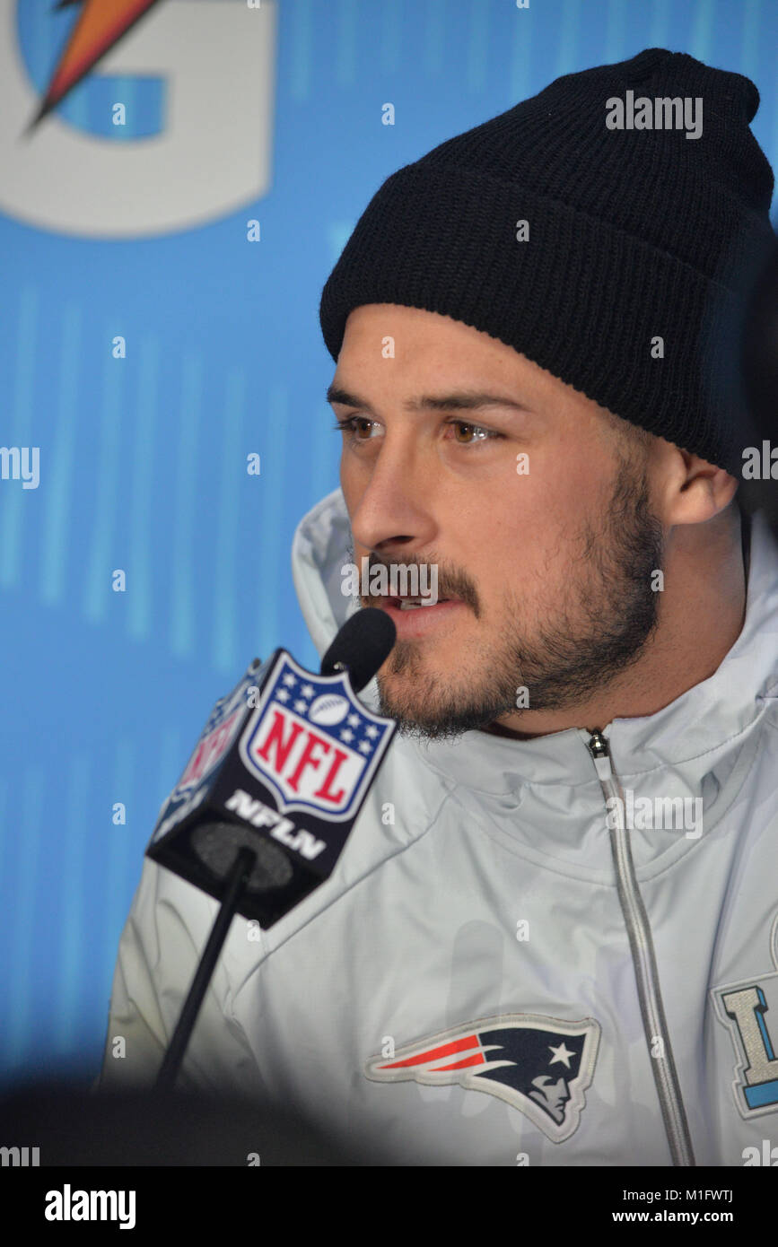 St Paul, Minnesota, USA. 29th Jan, 2018. -Danny Amendola of the New England Patriots gives an interview at the official - Stock Image