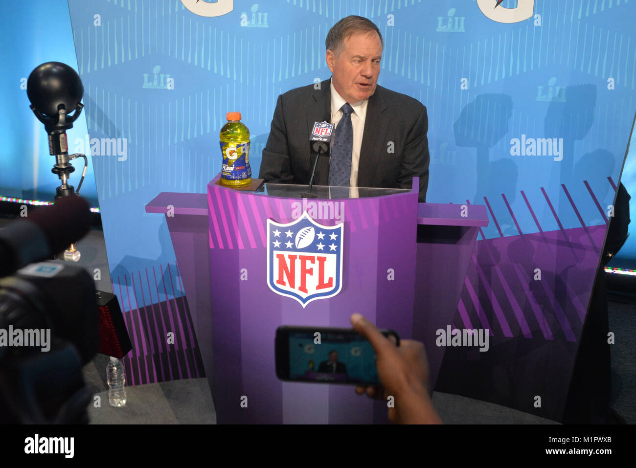 St Paul, Minnesota, USA. 29th Jan, 2018. -Bill Belichick of the New England Patriots gives an interview at the official Stock Photo