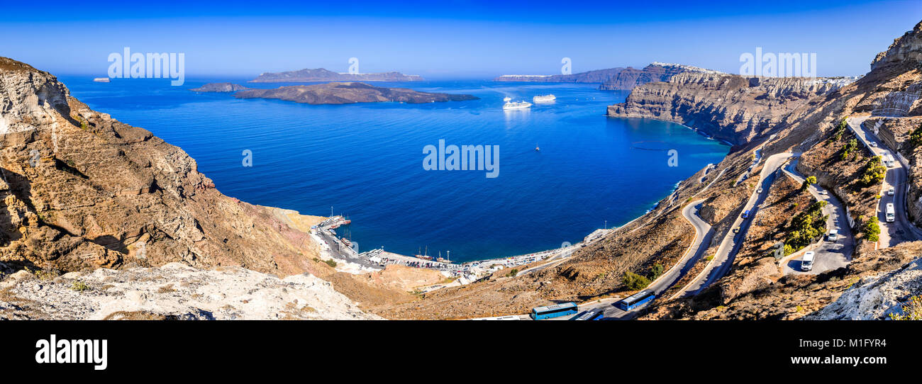 Santorini, Greece. Greek Cyclades Islands in Aegean Sea and the citites Oia, Firostefani, Fira. - Stock Image