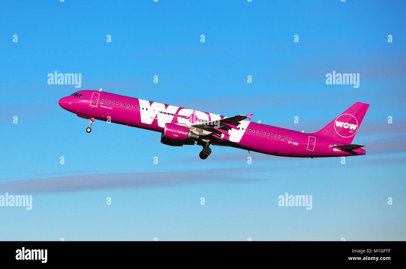 WOW AIR Leaves edinburgh Airport for Reykjavik Iceland - Stock Image