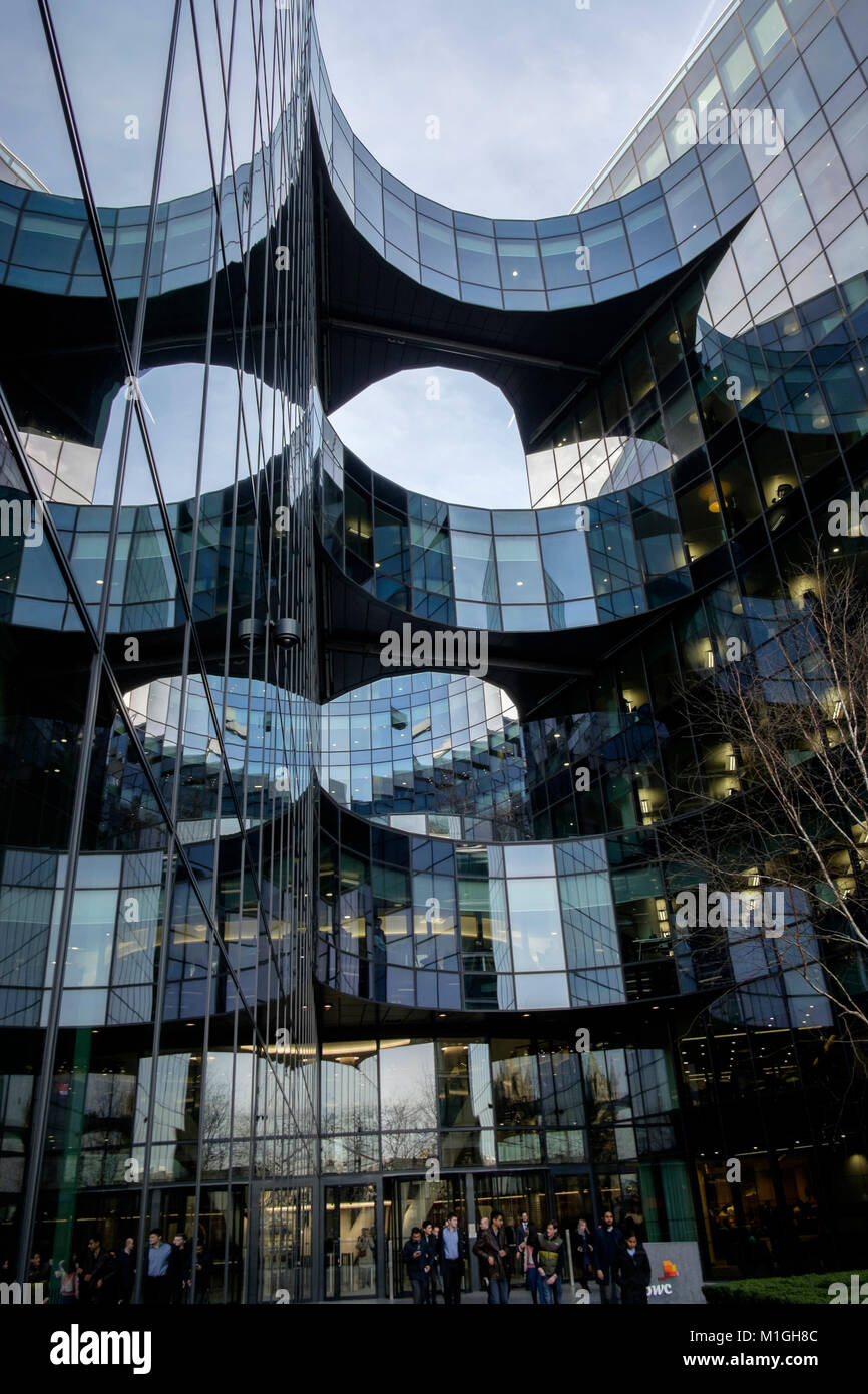 Offices of Price Waterhouse Coopers (PWC) at 7, More London, More Riverside, London, UK - Stock Image