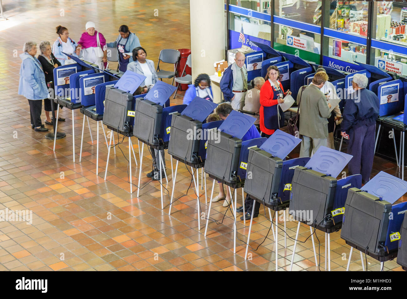 presidential primary early voting machine democracy election decision choice - Stock Image