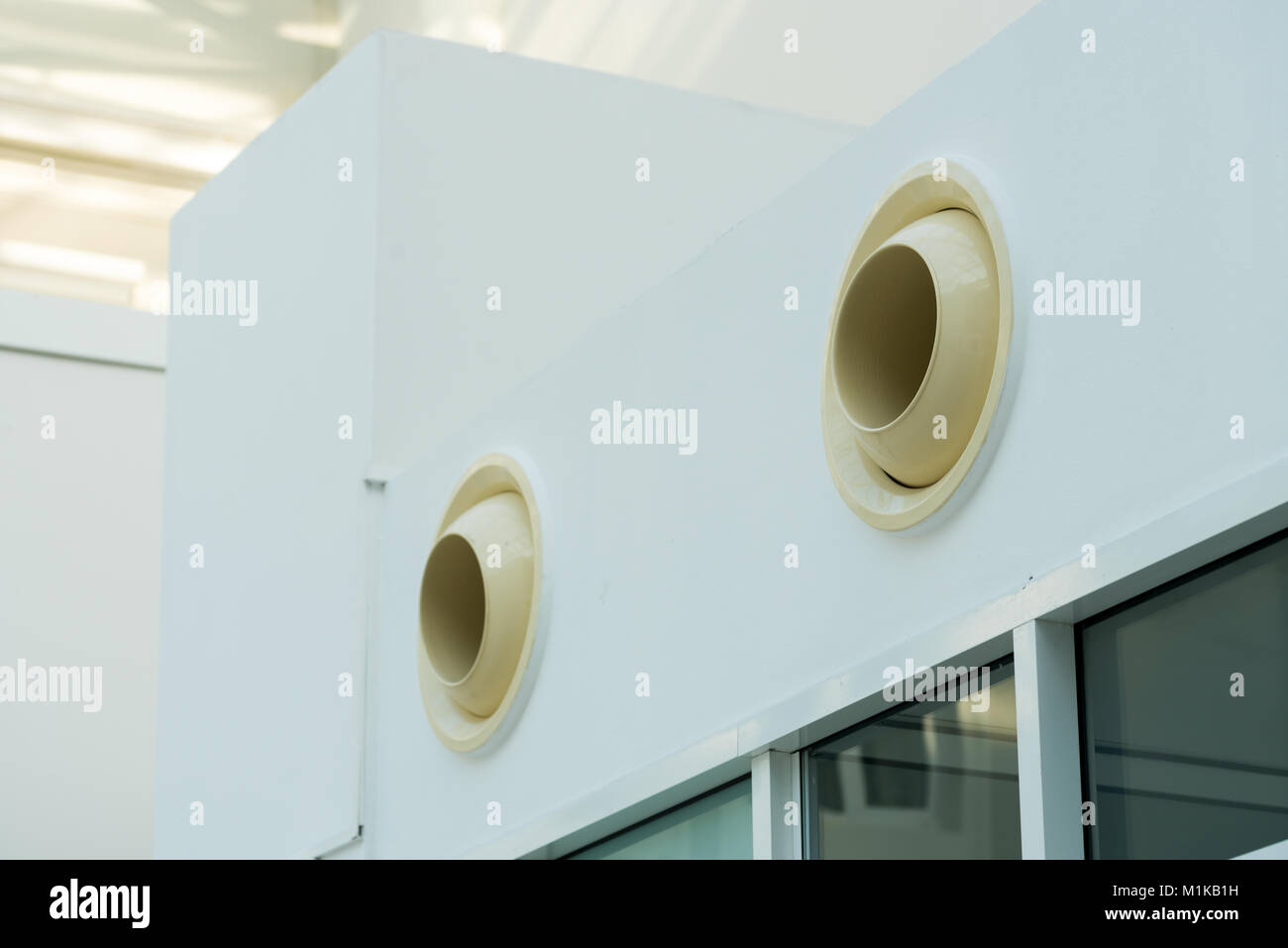 Air Vent Wall Stock Photos & Air Vent Wall Stock Images - Alamy