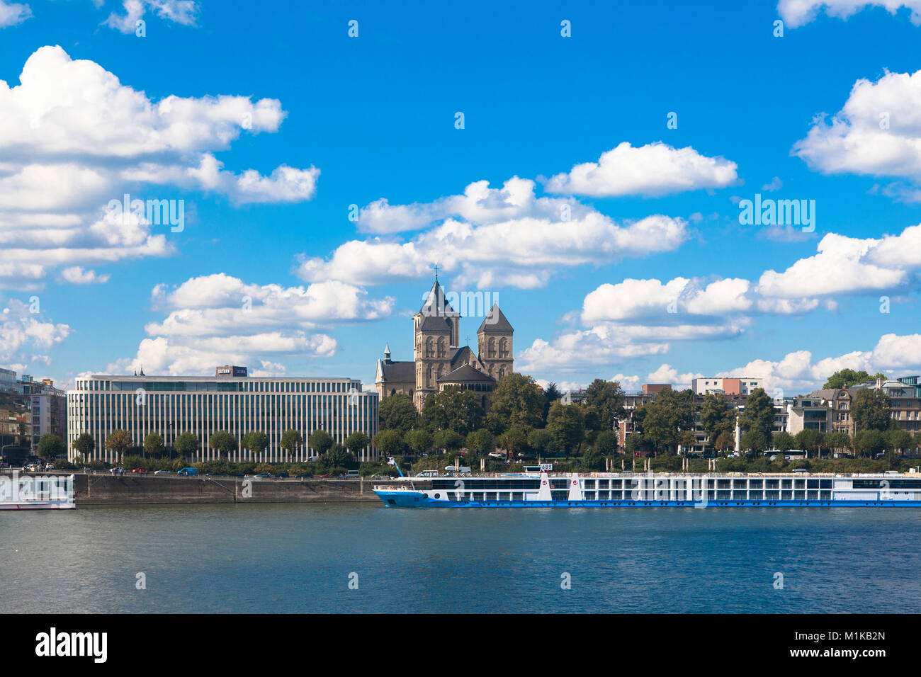 Germany, Cologne, Institut der deutschen Wirtschaft Koeln or Cologne Institute for Economic Research at the street - Stock Image