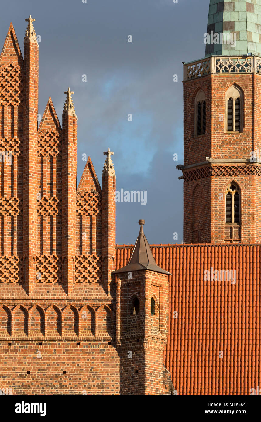 Wroclaw Breslau, St. Adalbert (polnisch Kosciól sw. Wojciecha), Westgiebel und Turm - Stock Image