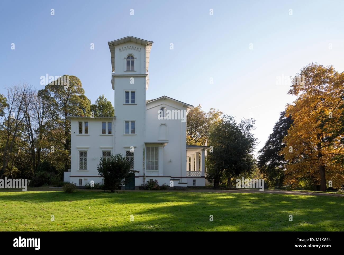 Krefeld, Schönhausenpark, Haus Schönhausen (Musikschule) - Stock Image