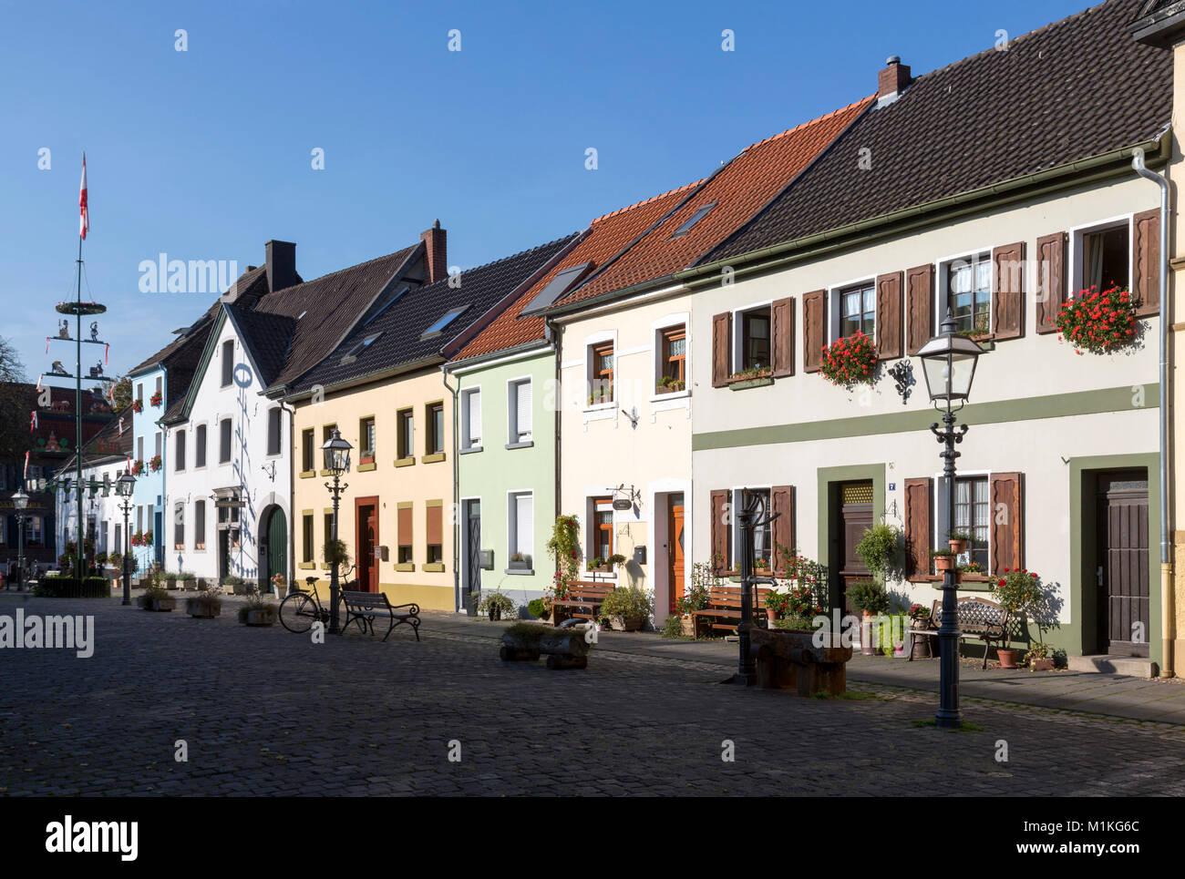 Krefeld, Ortsteil Linn, Andreasmarkt, Häuserzeile - Stock Image