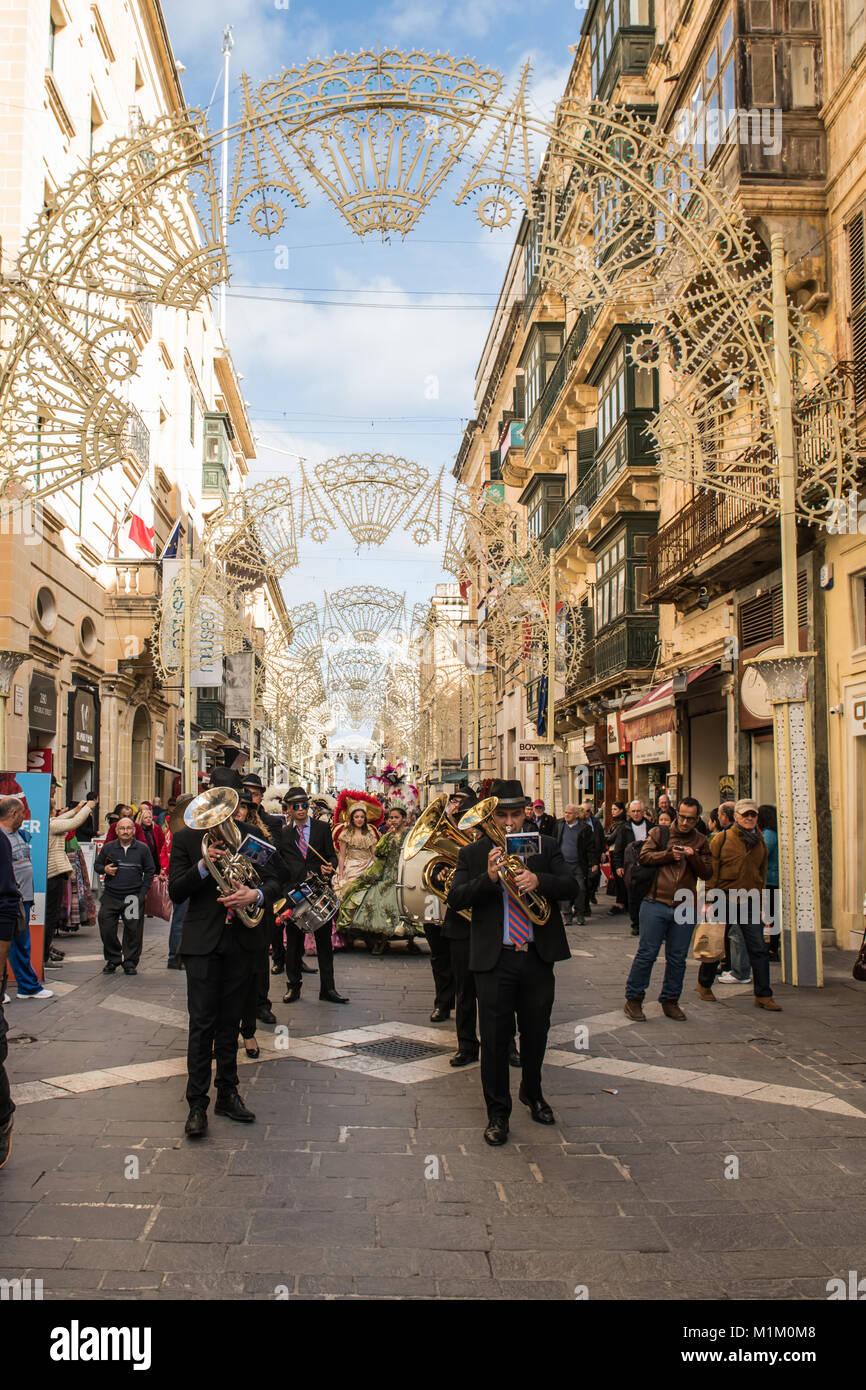Valletta, Malta. 19th Jan, 2018. Musicians play on a street in the city centre of Valletta, Malta, 19 January 2018. - Stock Image
