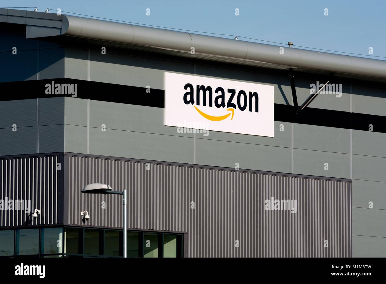 An Amazon warehouse, Banbury, Oxfordshire, England, UK - Stock Image