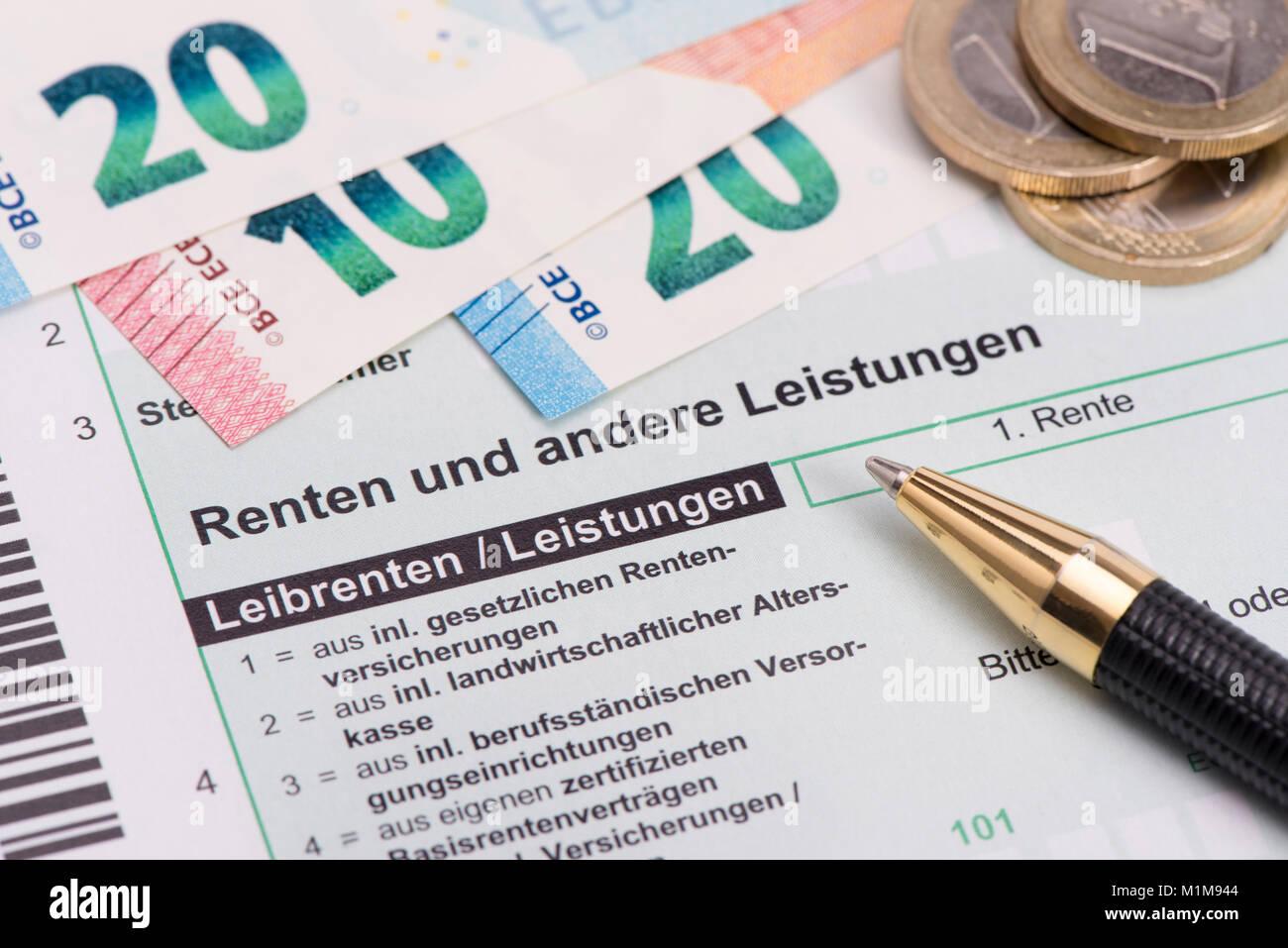 Rente und Steuererklärung für Finanzamt Stock Photo