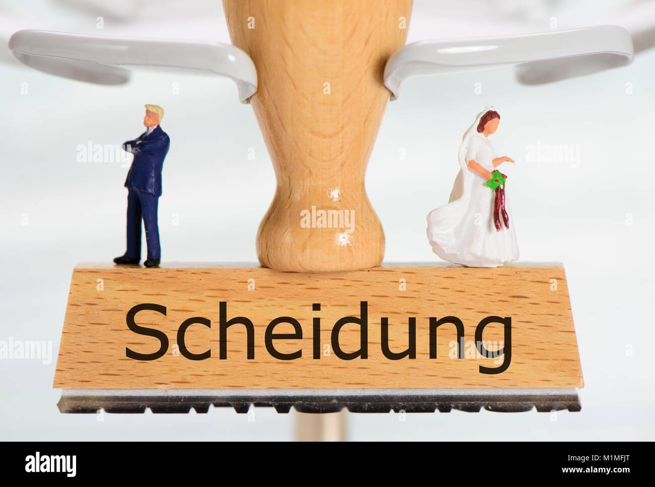 Scheidung gedruckt auf Stempel mit Ehepaar - Stock Image