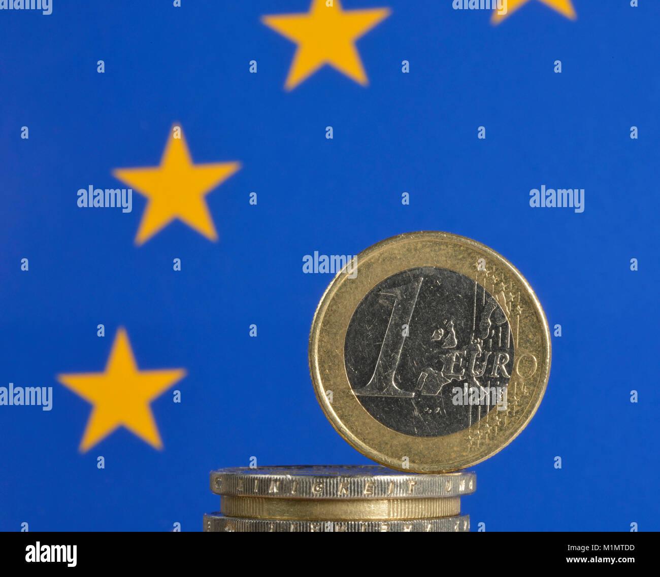 EURO-crisis, coins, Europe Flag, EURO-Krise, Münzen, Europa-Flagge - Stock Image