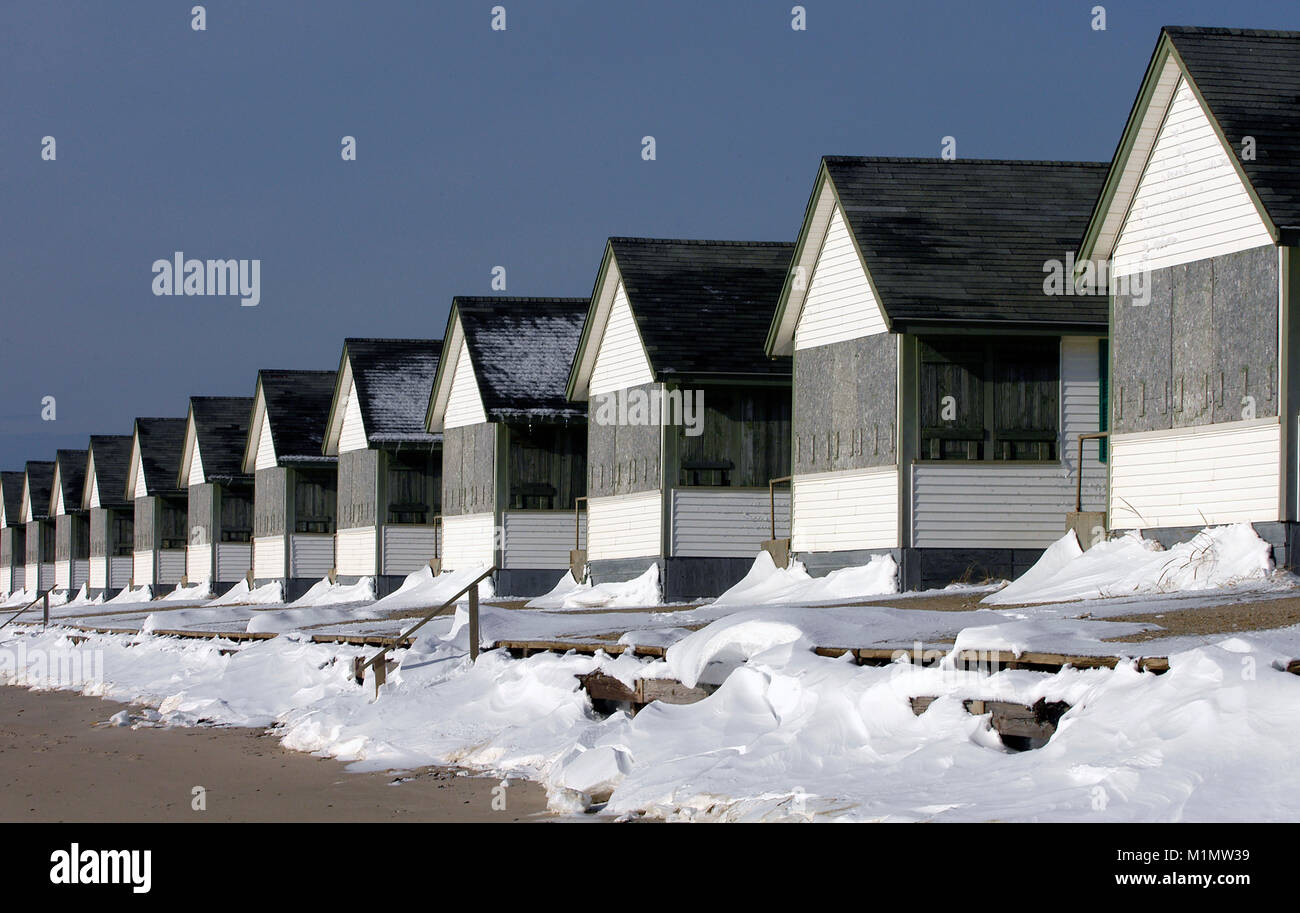 Cottages in Truro, Massachusetts, Cape Cod, USA, buttoned up for winter - Stock Image