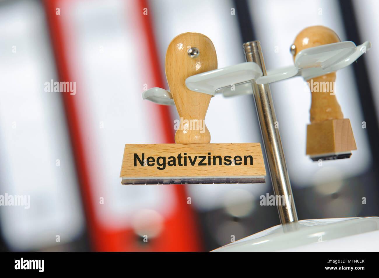 Minuszinsen und Negativzinsen auf Konto Stock Photo