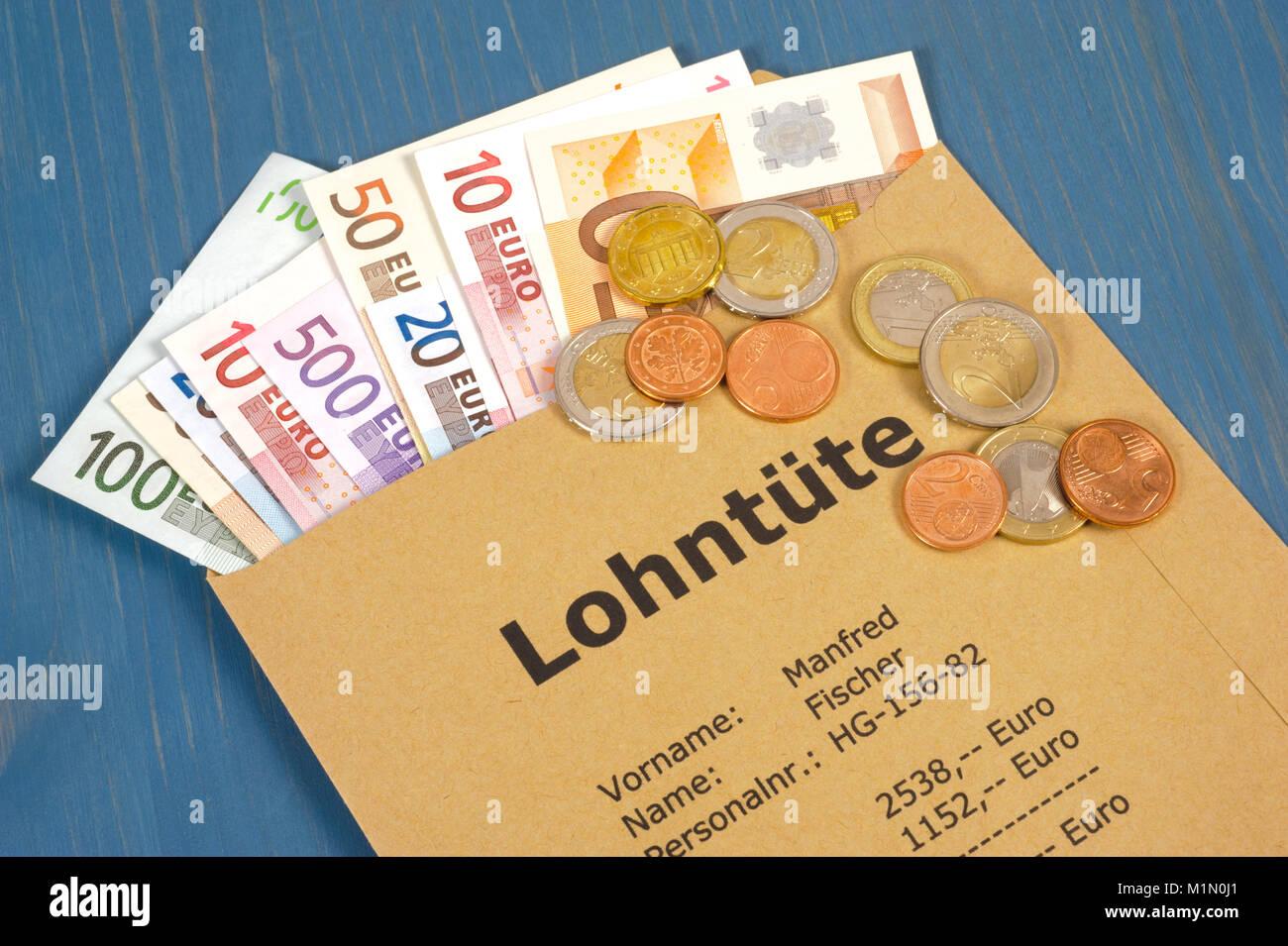 Lohntüte - Wolfgang Filser [Jede Nutzung ist honorarpflichtig. Veroeffentlichung nur gegen Honorarzahlung, Urhebervermerk Stock Photo