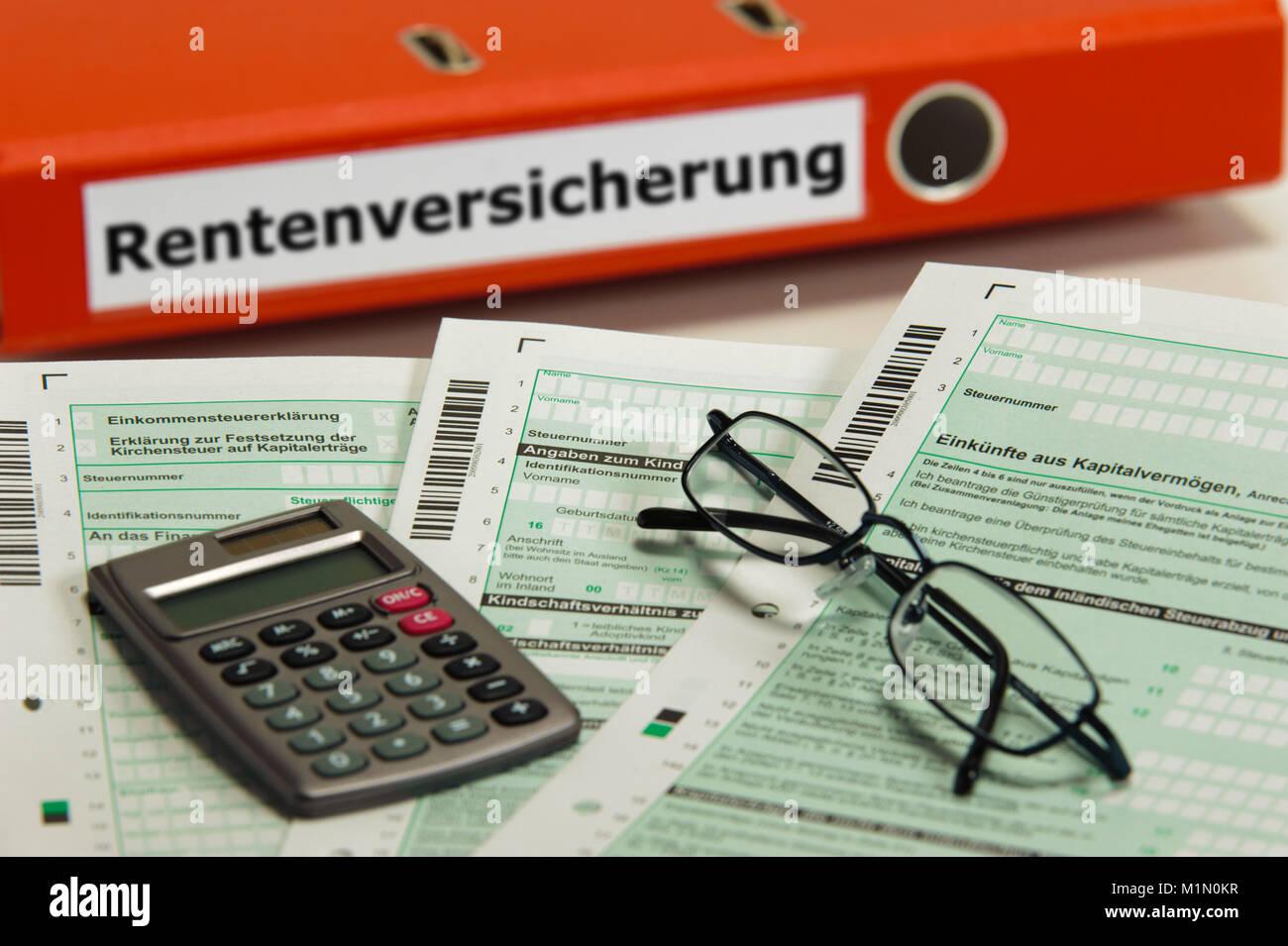 Rentenversicherung markiert auf Aktenordner Stock Photo