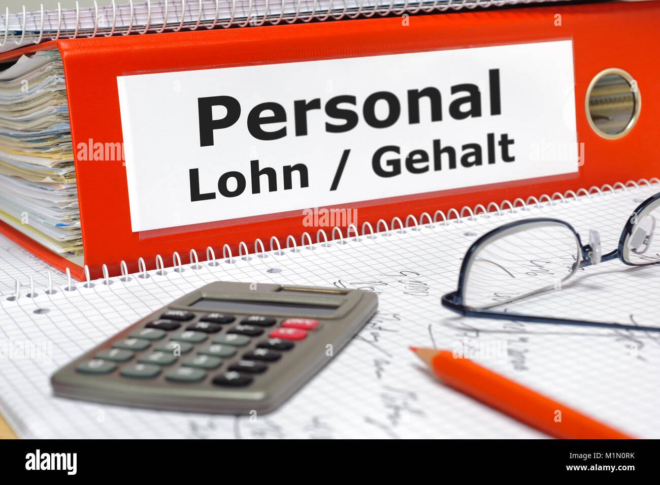Personalkosten, Aktenordner mit Lohn- und Gehaltsabrechnungen Stock Photo
