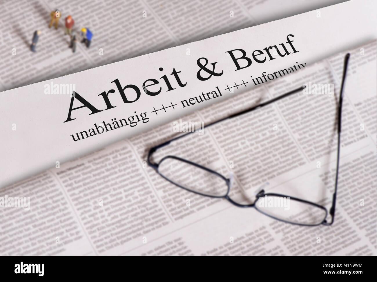 Tageszeitung mit Überschrift Arbeit & Beruf - Stock Image