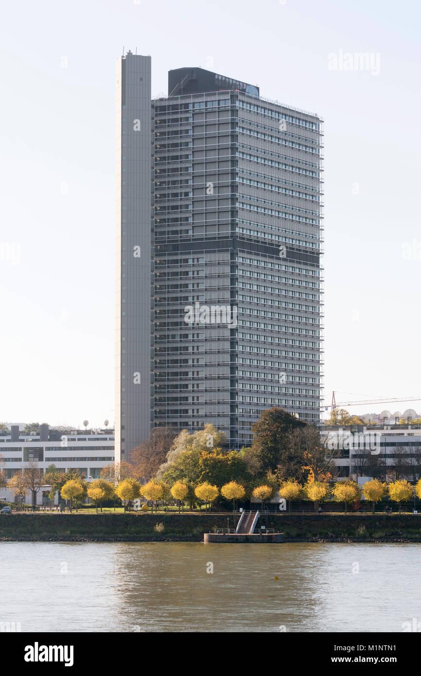 """Bonn, Regierungsviertel (Bundesviertel, Parlamentsviertel), Ehemaliges Abgeordnetenhochhaus """"Langer Eugen"""", 1966 - Stock Image"""