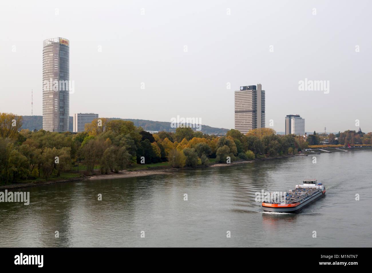 Bonn, Regierungsviertel (Bundesviertel, Parlamentsviertel), Blick über den Rhein, Posttower, Ehemaliges Abgeordnetenhochhaus - Stock Image