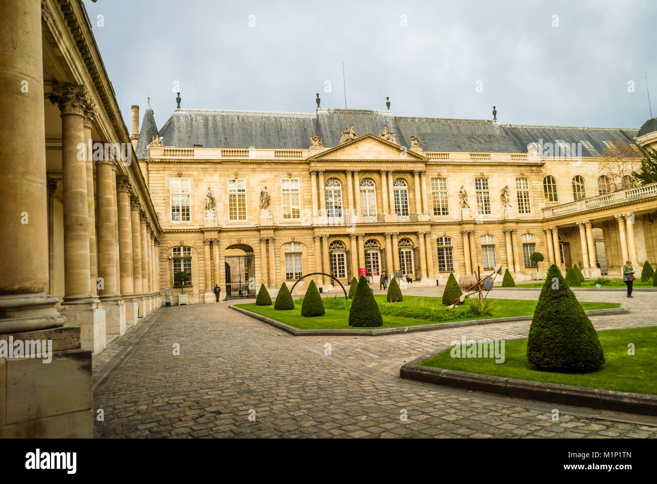Outside view of Carnavalet museum in Paris - Stock Image