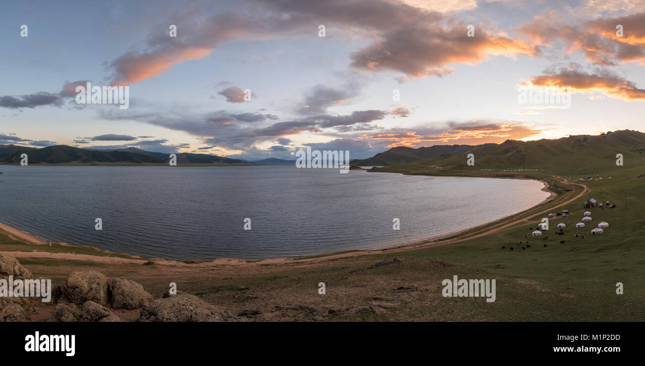 Sunset over White Lake, Tariat district, North Hangay province, Mongolia, Central Asia, Asia - Stock Image
