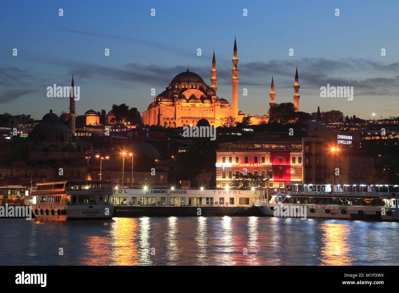 Old City, Suleymaniye Mosque at dusk, Eminonu, Golden Horn, Bosphorus, Istanbul, Turkey, Europe Stock Photo